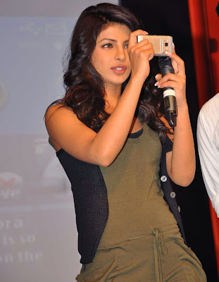 Priyanka Chopra at Nokia N8 Mobile Phone launch