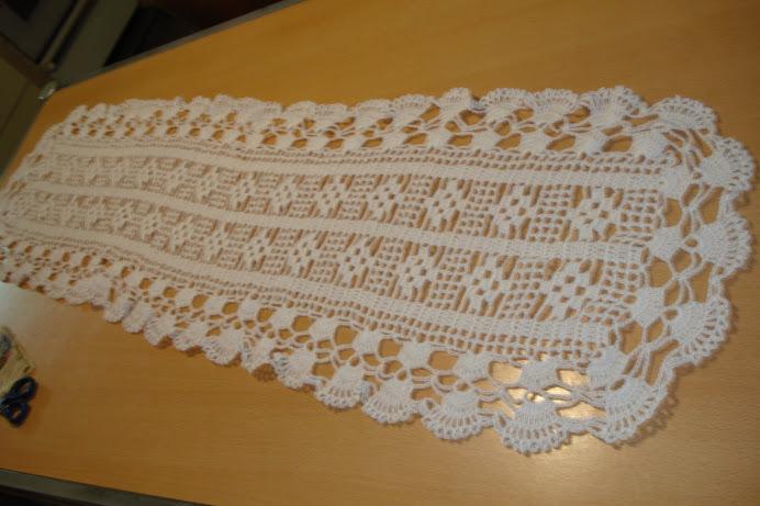 camino de mesa de hilo blanco
