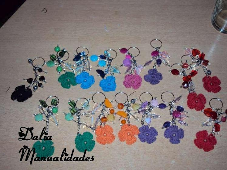 llaveritos souvenirs con flor tejida