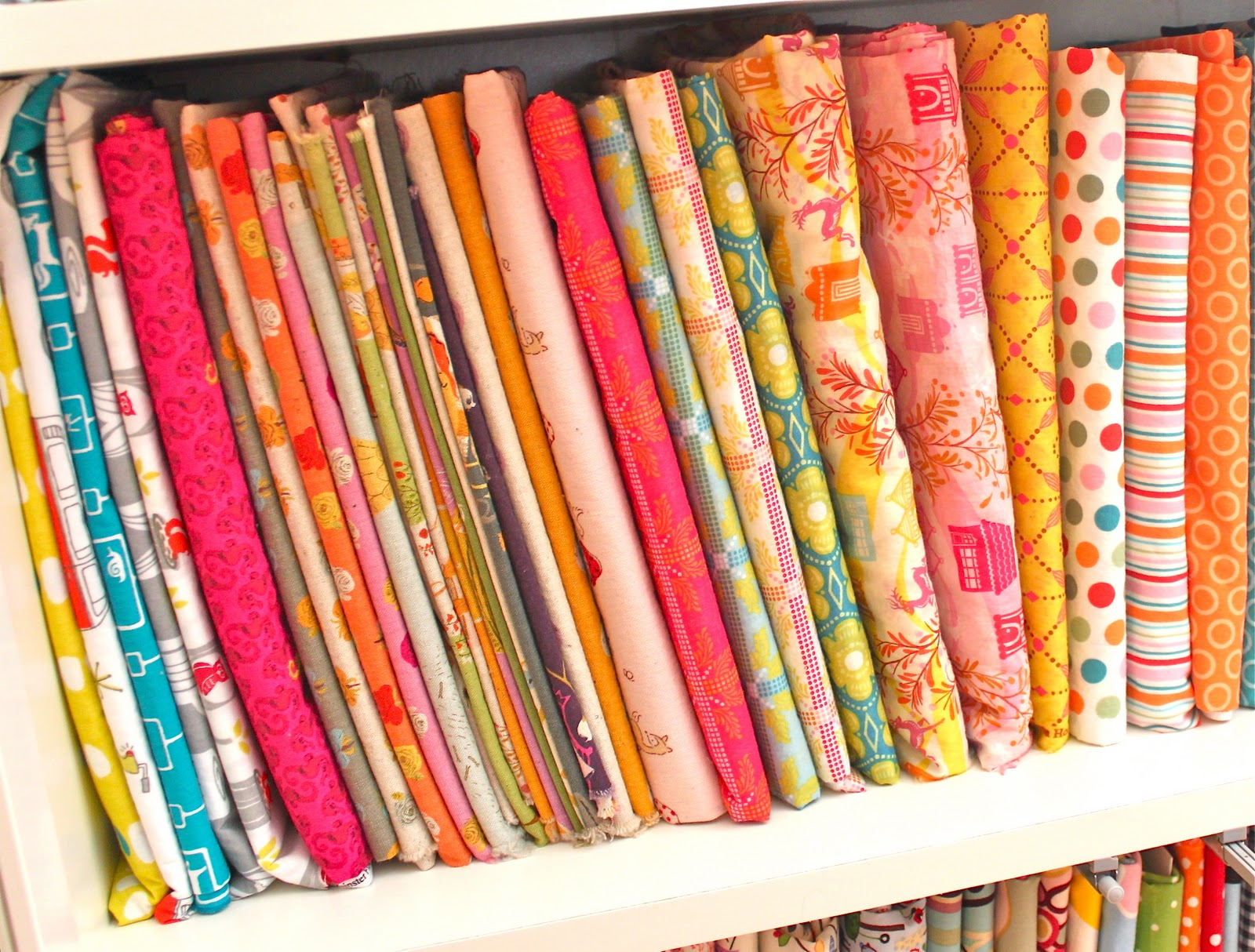 Mini Fabric Bolts and Some Studio Organization - Smashed Peas ... : how to store quilting fabric - Adamdwight.com