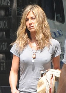 foto payudara jennifer aniston