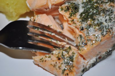 Recipe how to make steamed salmon using tin foil in an oven