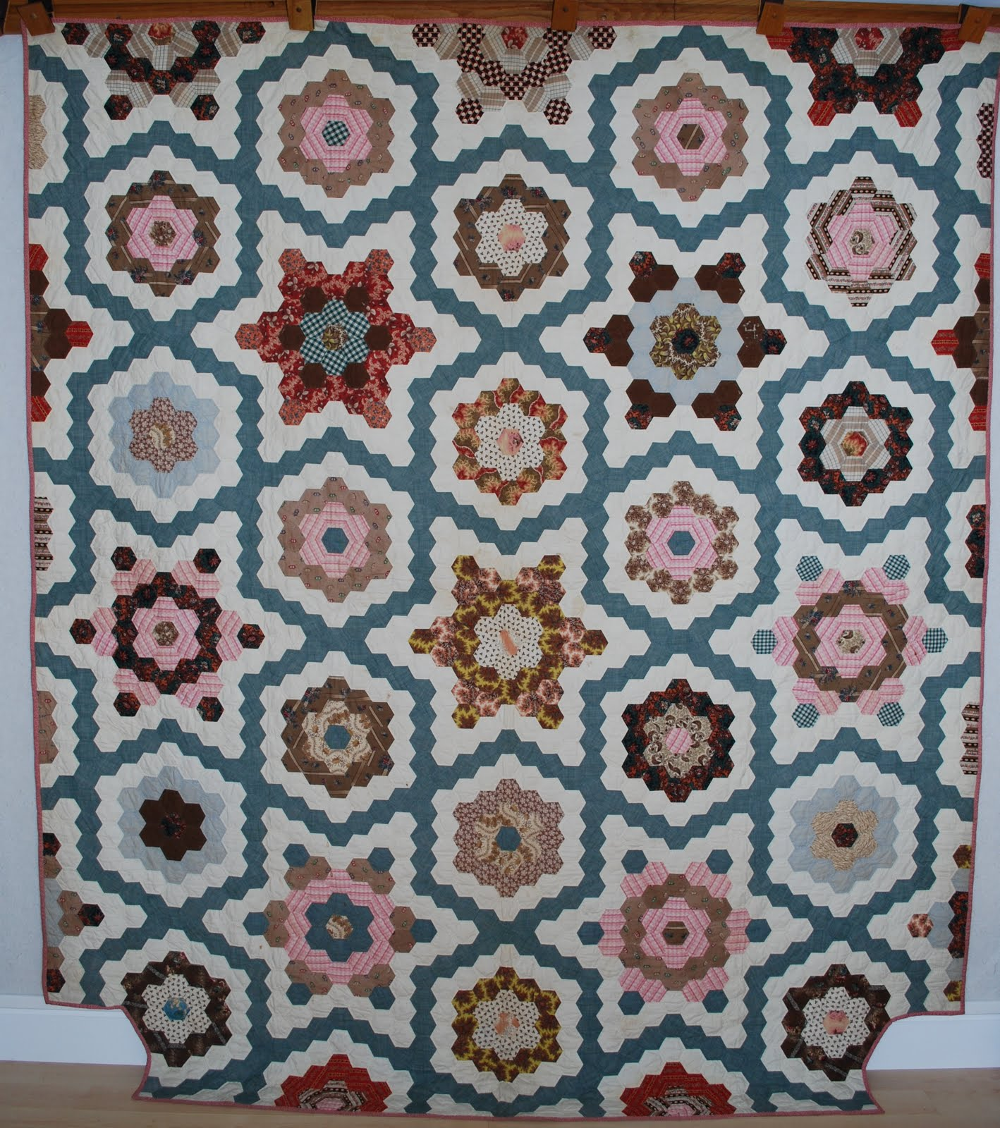 Quilts vintage and antique hexagon mosaic quilt for What to do with an old quilt