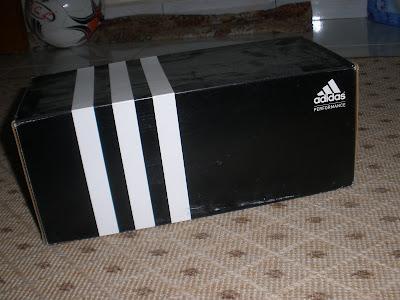 kotak pun kami buat koleksi. paper beg apatah lagi :)