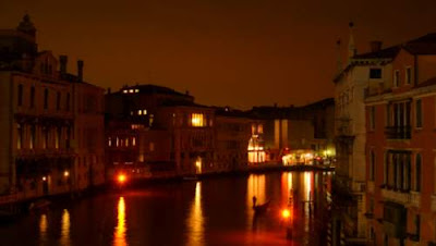 Image of Venice at night from the Rialto bridge, opposite side