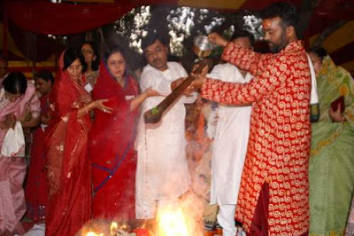 Image of a puja ceremony to Hanuman in Nagpur, India.