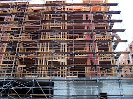 Perimeter Scaffold on a Building