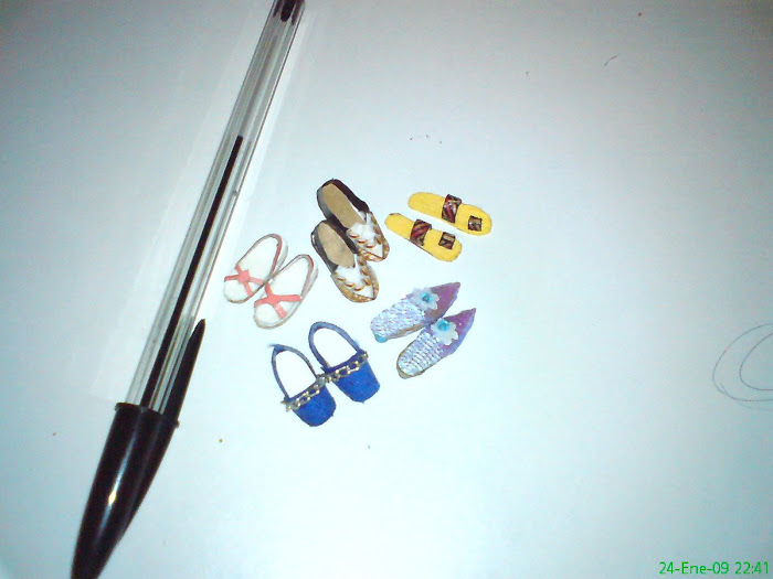minipares de zapatos