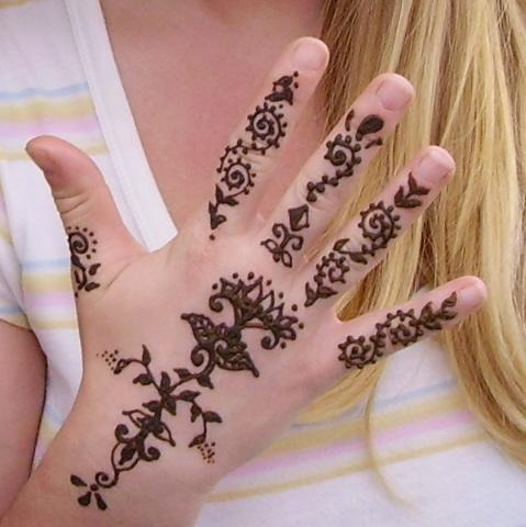 henna hand tattoo picture