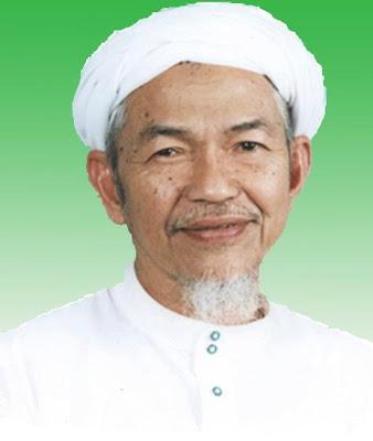 Foto Tn. Guru Nik Aziz