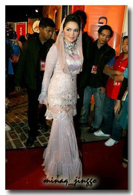 Gambar Dato' Siti Nurhaliza di Red Carpet ABP 2008