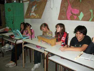 Alumnos de 4º C en alguno de los ensayos de nuestro Himno