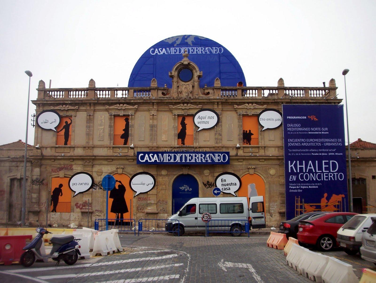 Alicante siempre la estacion de benalua se disfraza de casa del mediterr neo - Casa del mar alicante ...