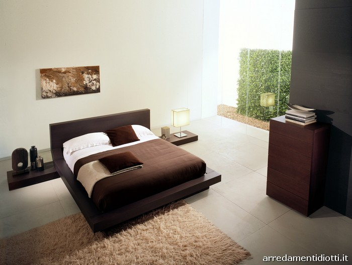 Una camera da letto in \