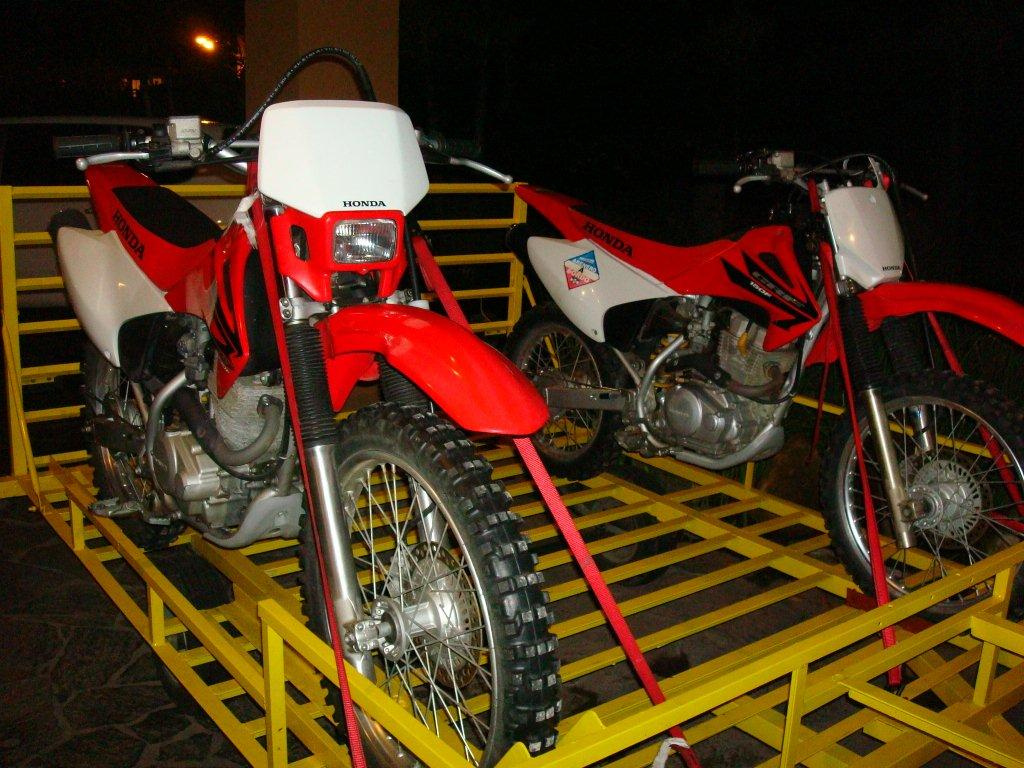 CLASIFICADOS-COMPRA Y VENTA DE MOTOS EL SALVADOR: VENDO CRF230, CRF150