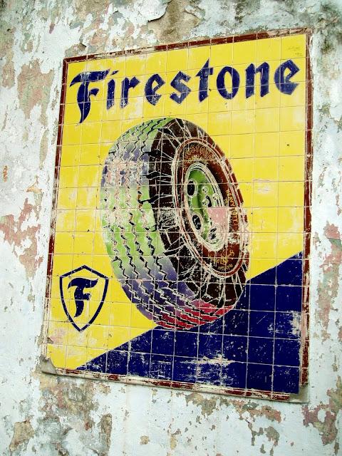 [Copie+de+Antigua+publicidad+de+las+gomas+Firestone.JPG]
