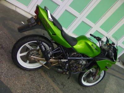 Spesifikasi Modifikasi Kawasaki Ninja RR title=
