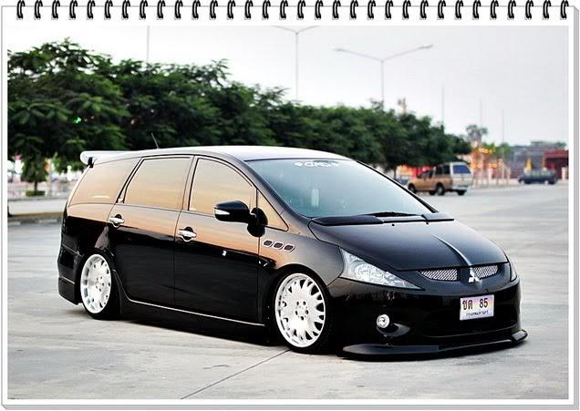 wagon lifestyle thailand mitsubishi space wagon aka grandis. Black Bedroom Furniture Sets. Home Design Ideas