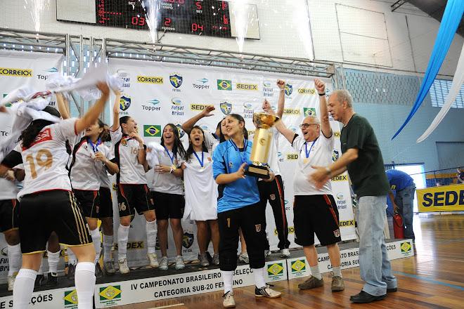 Futsal Paulista women select are the Brazilian Champions