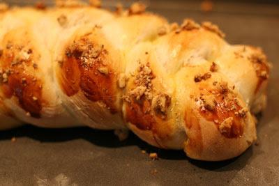 Ni Su Mien Bao (Milk Crispy Bread)