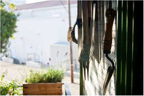 i. Garden: DIY Idea: Pegboard Garden Centre
