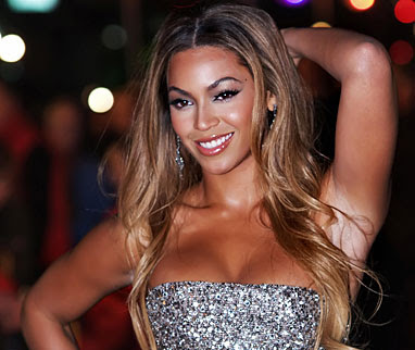 Beyonce Knowles Irreplaceable lyrics in the B'day Album.