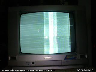 TV PANASONIC TC-2088MNB gambar putih polos bergaris-garis