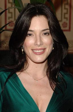 Jaime Murray Follows Geno's World on Twitter