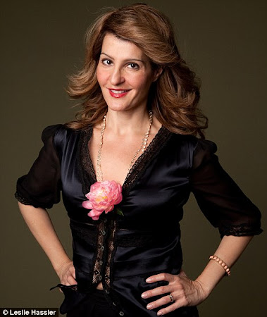 Nia Vardalos follows Geno&#39;s World on Twitter