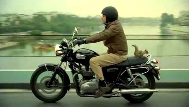 Motorista con ardilla en el anuncio de ING Direct