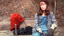Sissy Spacek as Loretta Lynn in COAL MINER'S DAUGHTER
