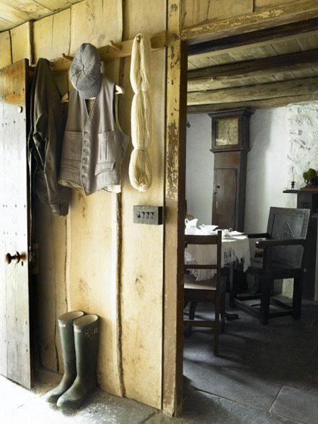 Foyer Wales Home : Ill seen said bryn eglur