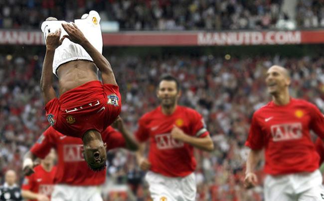 El acrobático puntero derecho del Manchester United busca su brillo en el  cono de sombra que proyecta el enorme Cristiano Ronaldo. 60d1616a63fdd