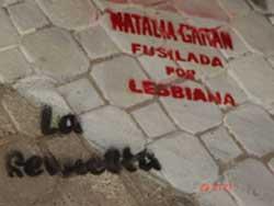 ¡BASTA DE LESBOFOBIA! Stenciliada en el centro neuquino de La Revuelta