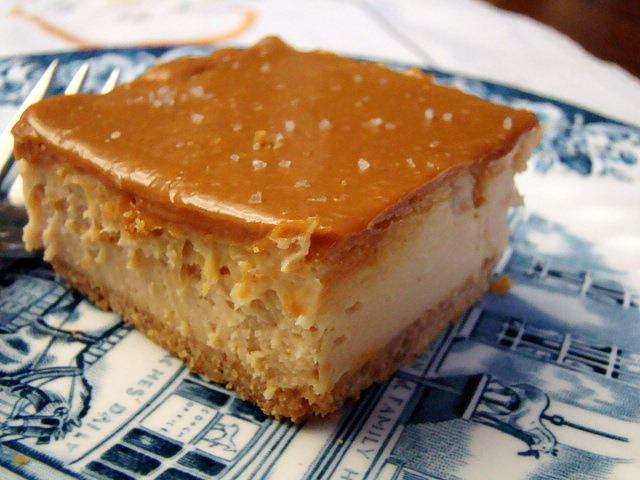 Krista's Kitchen: Dulce de Leche Cheesecake Bars