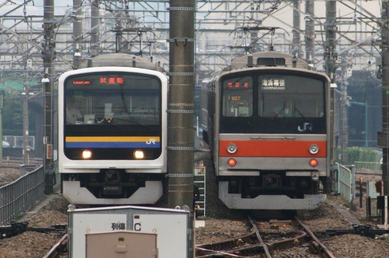 ↑電留線では、武蔵野線205系と並びます。(拡大トリミング済み) 209系2100番台 武蔵野線