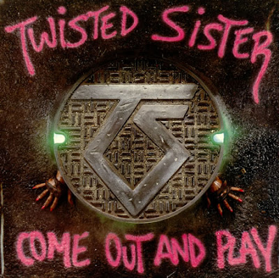 Twisted Sisters: The Leader of the Pack
