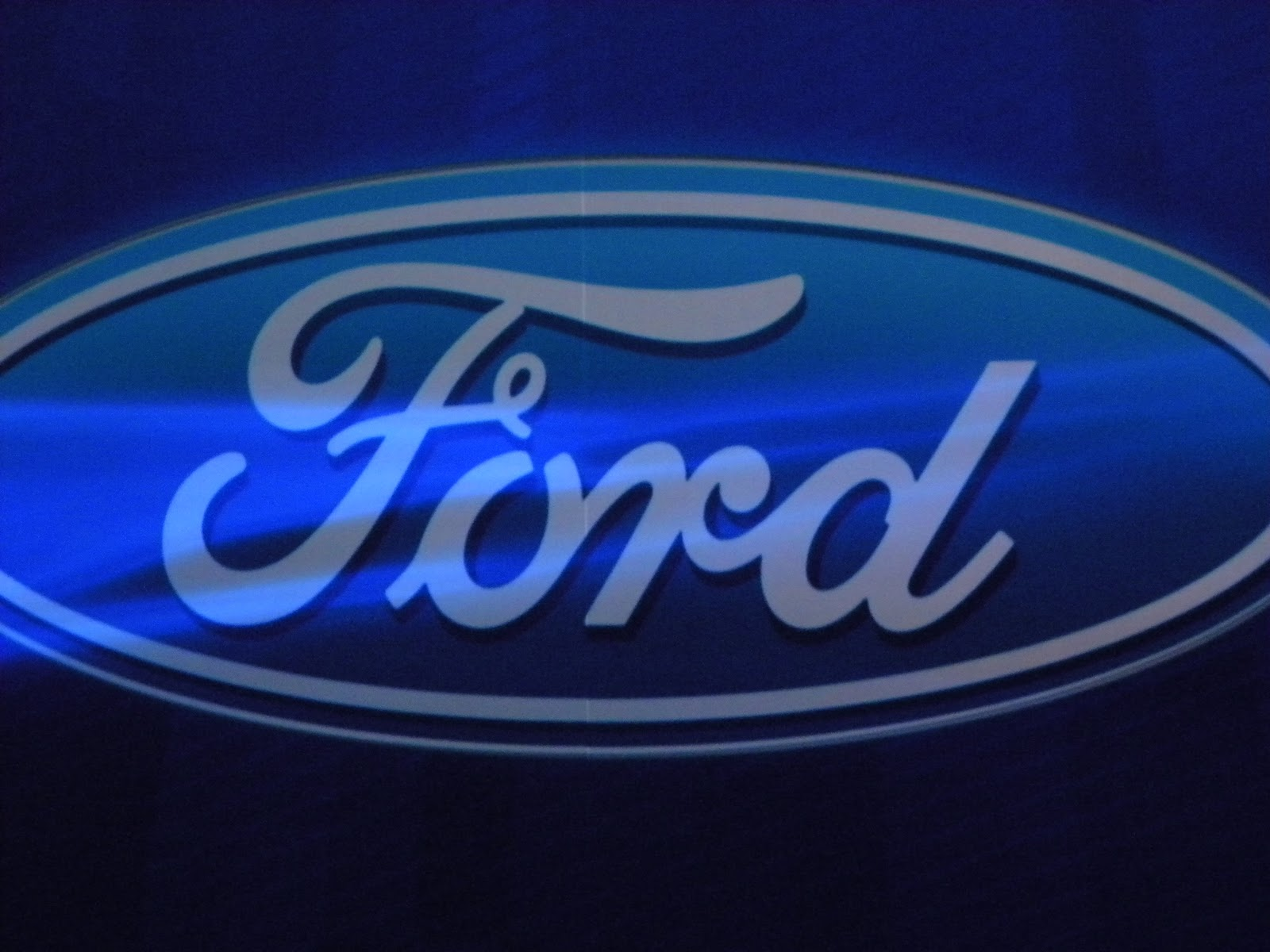 ford engages bloggers  show  tech savvy eco friendly  vehicles tech savvy mama