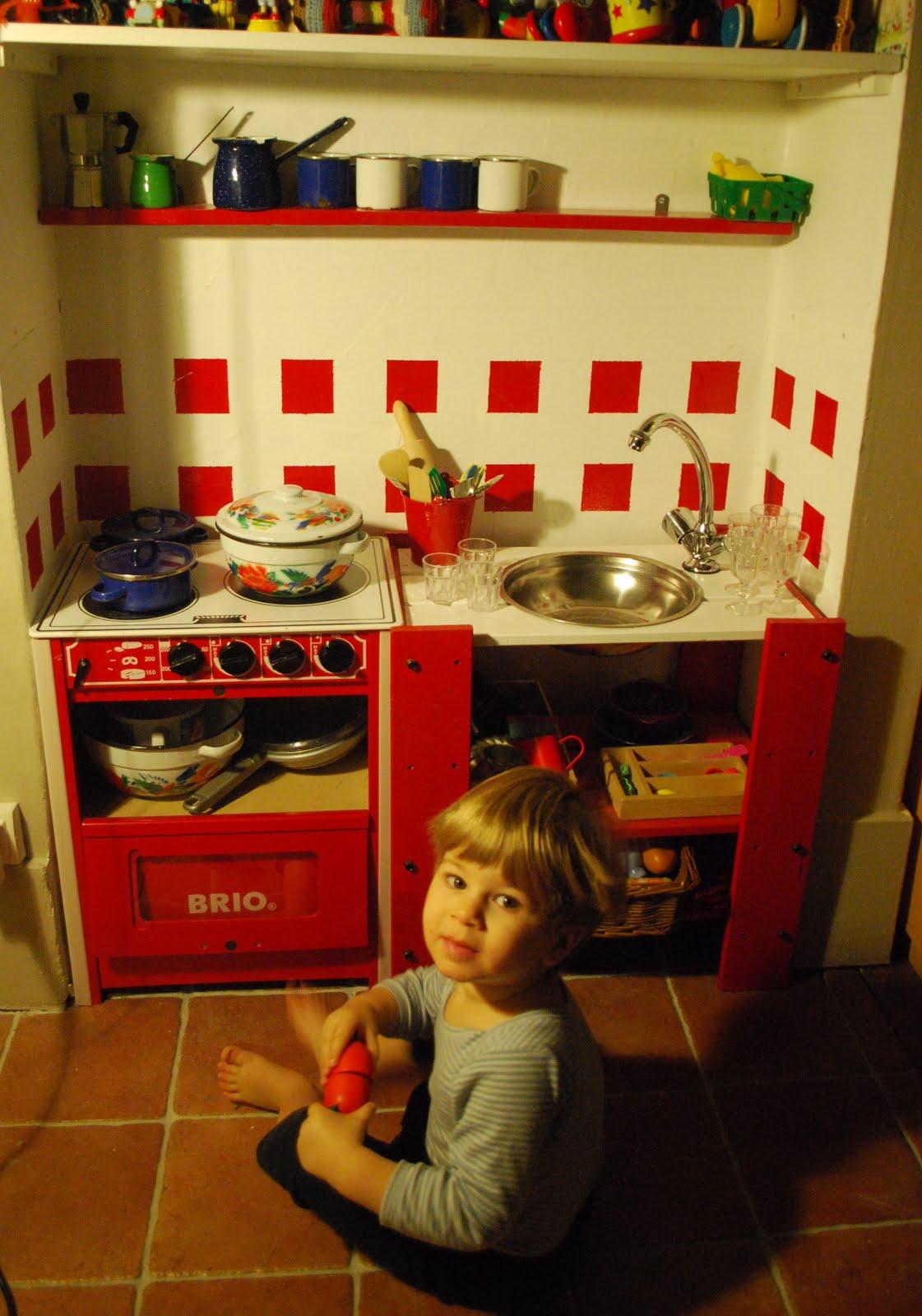 La cuisine de juliette mini cuisine pour mini cuisinier for Cuisinier 2010