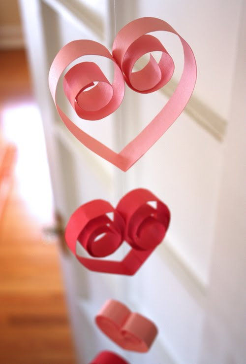 Curly paper hearts