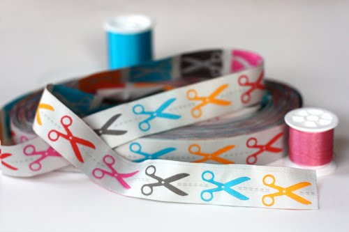Scissors ribbon
