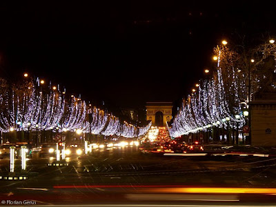 20081227120056_decorations_noel_champs_elysees