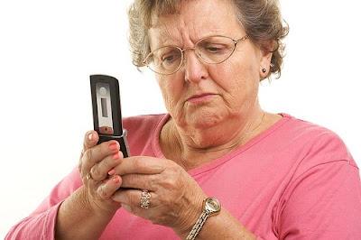 http://1.bp.blogspot.com/_wYk0lT8cWkU/TIUNkUbEaMI/AAAAAAAAAaA/9hIa-azIvKg/s320/old-lady.jpg