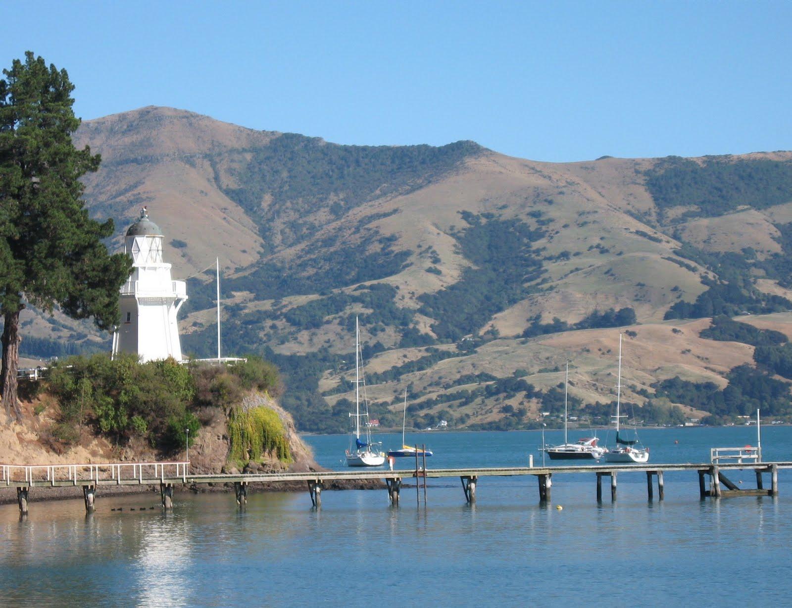 http://1.bp.blogspot.com/_wZDUXWd7ozg/S-IY8a9rKnI/AAAAAAAAAyA/J28GpY7Gy4k/s1600/21-+Akaroa+Lighthouse.JPG