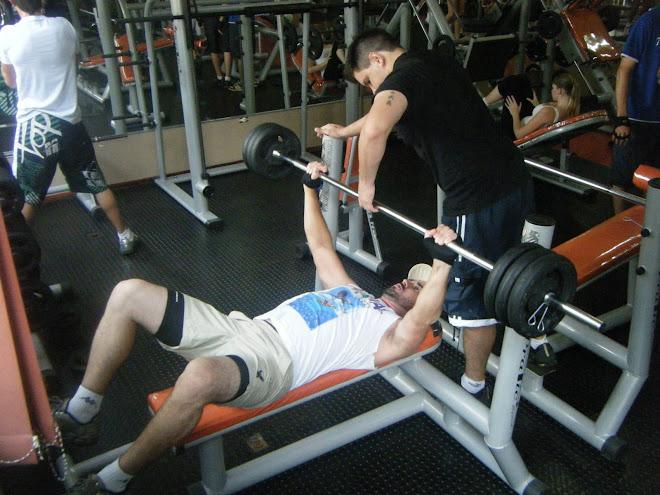 representante também treina pesado