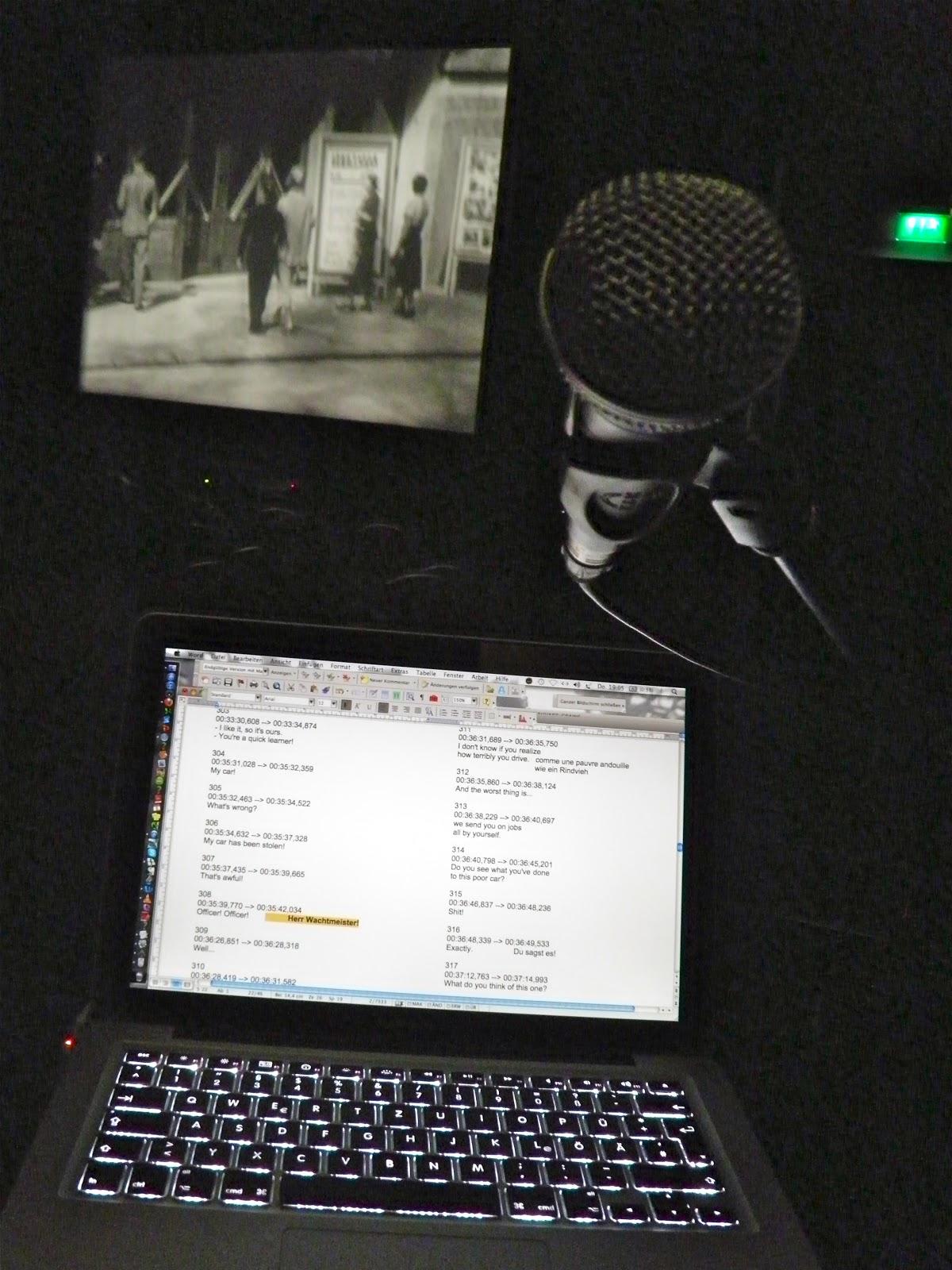 Leinwand, Mikro, Computer mit Untertitelliste