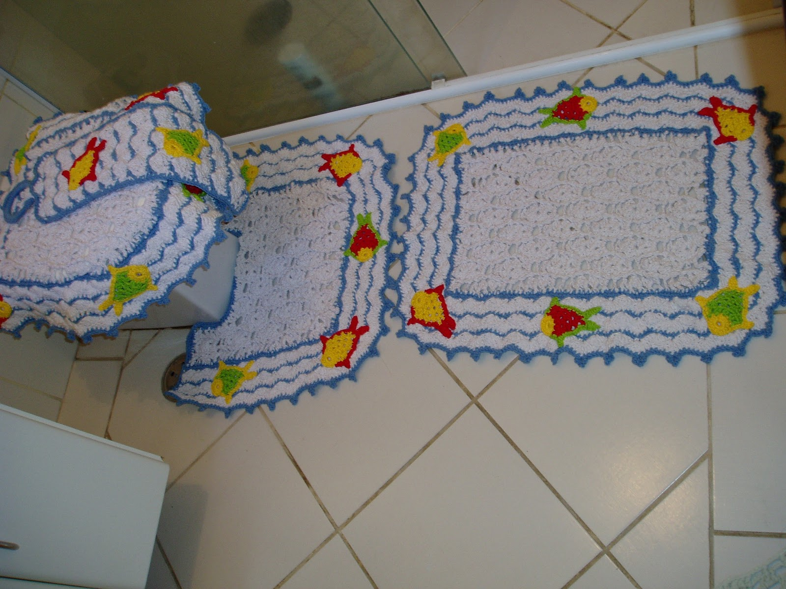 Tecendo Receitas: Jogo de banheiro em croche Peixe  #AF8A08 1600x1200 Banheiro Americano