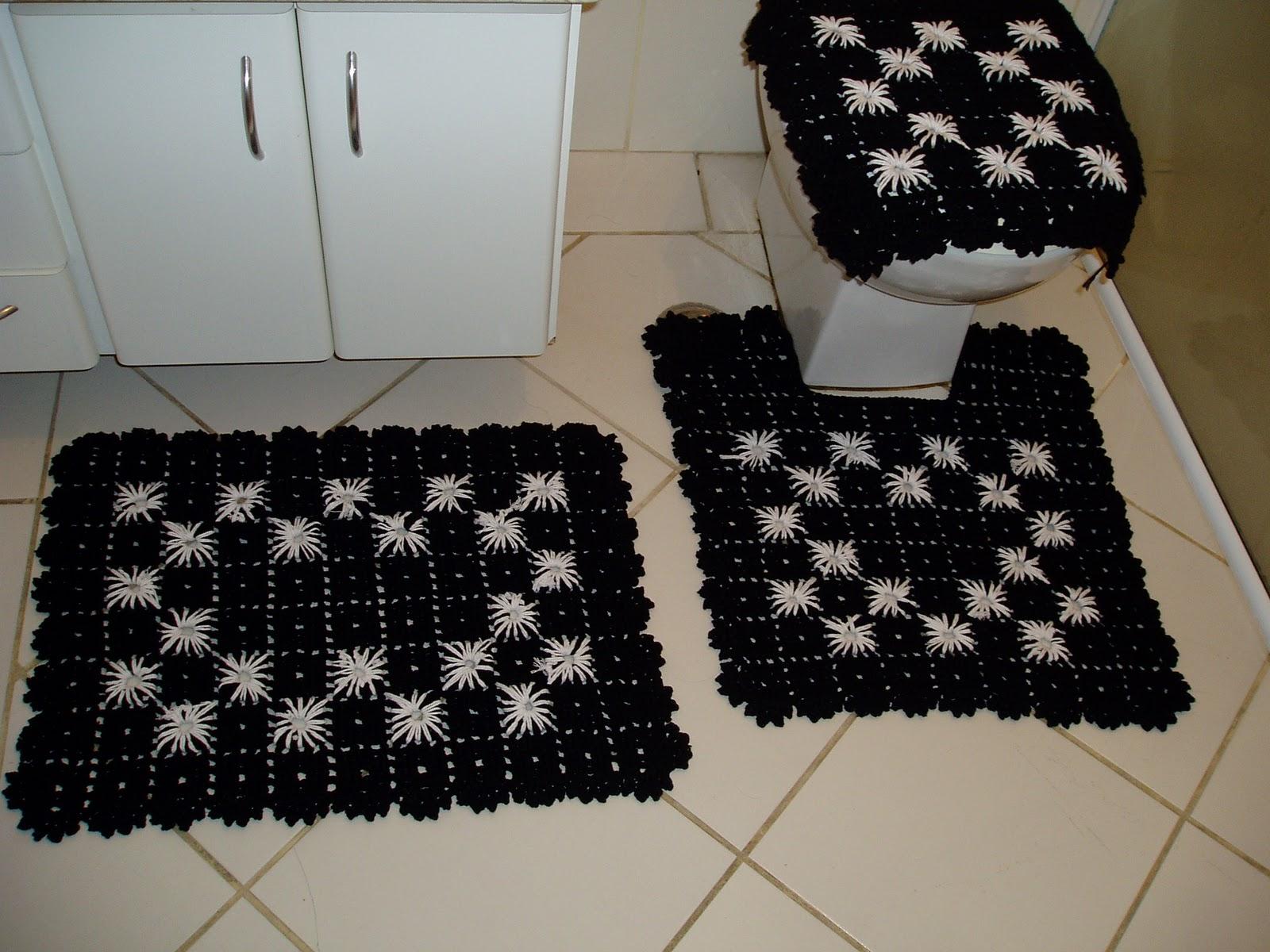 Tecendo Receitas: Jogo de banheiro em croche preto e branco #5A4B2E 1600x1200 Banheiro Amarelo Com Preto