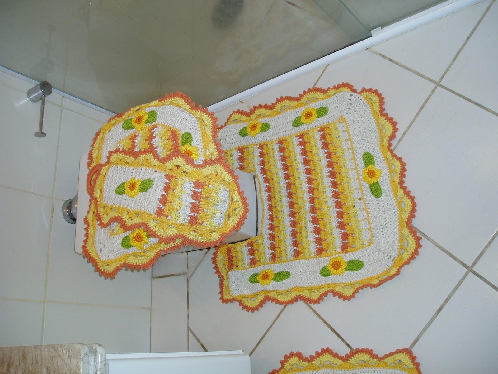 Tecendo Receitas: Jogo de banheiro em croche menina moça em amarelo #9C4B2D 1600x1200 Acessórios Banheiro São Paulo