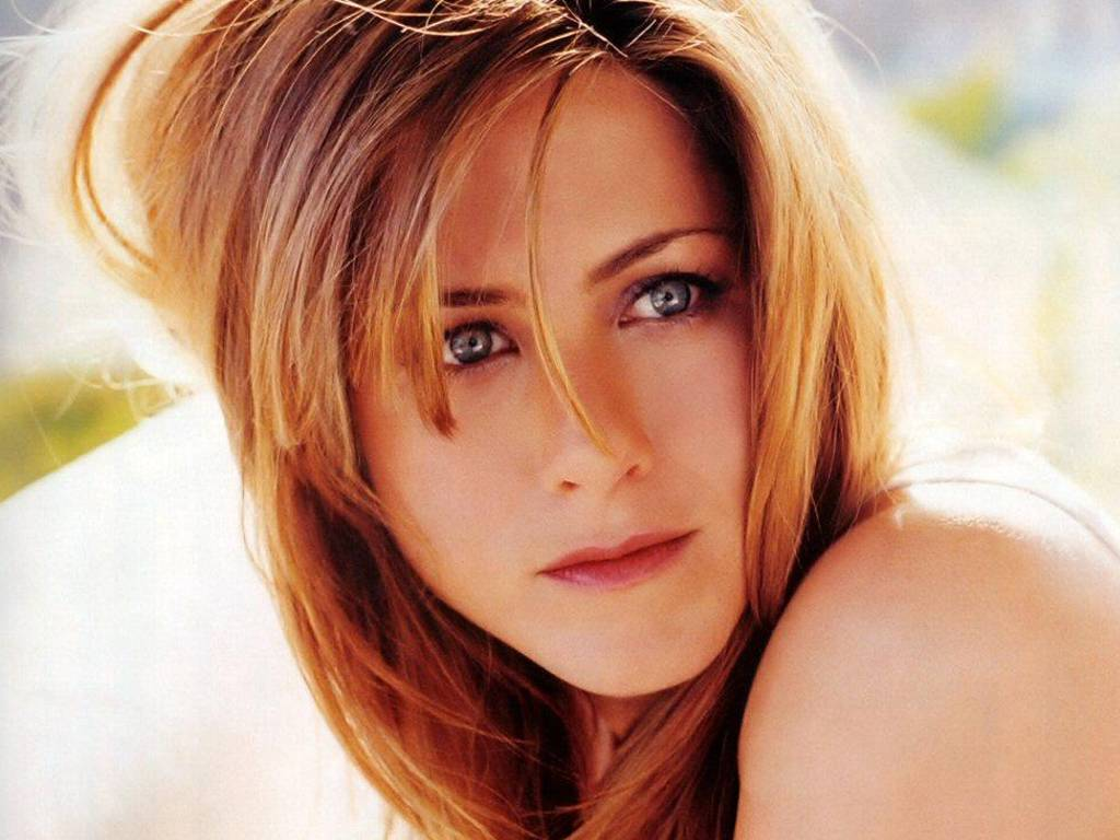 http://1.bp.blogspot.com/_wbwa1vp0yj8/R2ndIX6gJEI/AAAAAAAAAYI/uN-WZosi4gc/s1600/jennifer-aniston-beautiful-face-01u.jpg